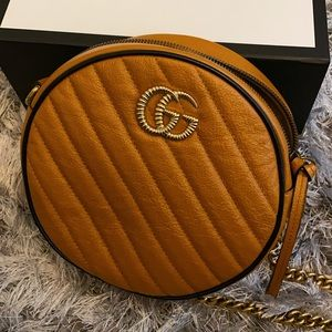 GG Marmont mini round shoulder bag